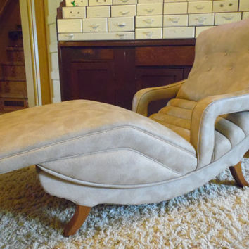 MID-CENTURY contour chaise lounge chair/Mid Century/Vintage Chair/1960's/Chaise Lounge
