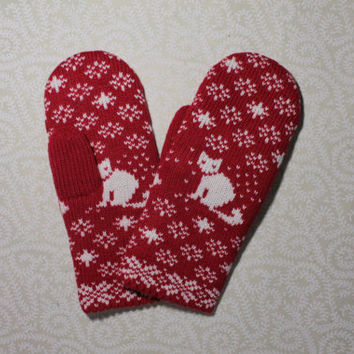 Hand-made adult mittens with cat pattern