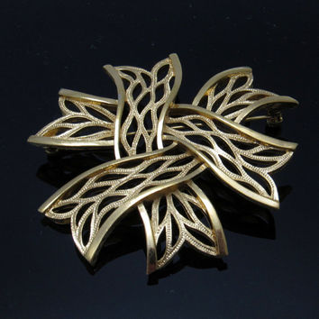 Trifari Brooch Ribbon Vintage Jewelry P7378