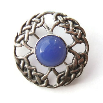 Vintage blue chalcedony and sterling silver Celtic brooch, 1966 Edinburgh hallmarks, James Coull Glasgow, Scottish knotwork jewellery. #229.