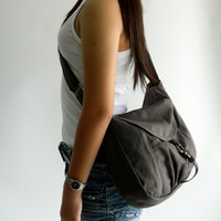 SALE - Claire in Gray // Messenger / Diaper bag / Shoulder bag / Tote / Purse / Handbag / Hip bag / Women / For her
