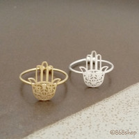 Hamsa hand ring in silver/ gold, modern, delicate, stacking ring, everyday ring, chic, simple and elegant