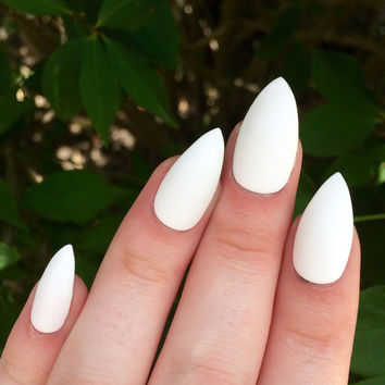 Stiletto Nails Matte White Fake