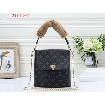 LV tide brand female chain female bag shoulder bag Messenger bag Black print