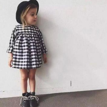 2017 girl in spring lattice long sleeve dress girl child princess dress black and white checkered clothing girl baby clothes