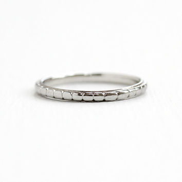 Antique Art Deco 18k White Gold Wedding Band Ring - Vintage 1930s Size 6 1/4 Eternity Etched Minimalist Simple Fine Jewelry, White Rose
