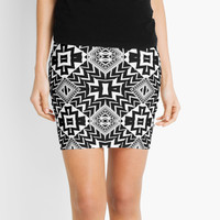 Black and White Tribal Patten | Leyana S5