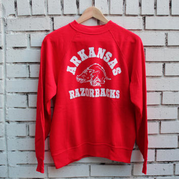 Vintage UNIVERSITY OF ARKANSAS Crewneck Sweatshirt Razorbacks sports athletic outdoor college vtg ncaa collegiate