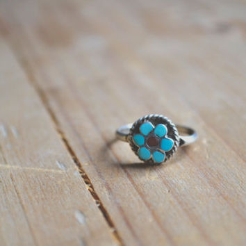 vintage turquoise flower ring // navajo native american inlay // sterling silver