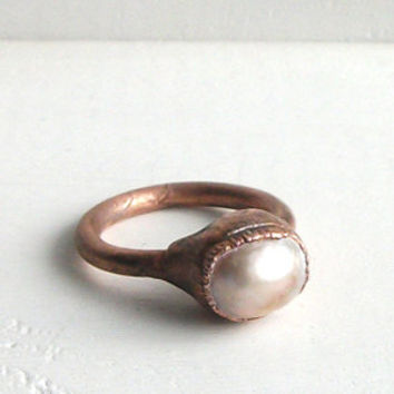 Pearl Ring Gemstone Ring June Birthstone Ring Cocktail Ring Copper Lilac Steel Iridescent Golden Ring Gem Artisan Handmade