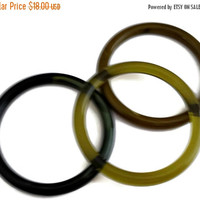 50% OFF Lucite Bangle Bracelet Trio Set Greens