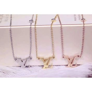 Louis Vuitton Classic Stylish Women Chic LV Letter Pendant Necklace Collarbone Chain Accessories Jewelry