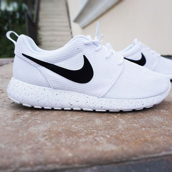 Womens Custom Nike Roshe Run sneakers 8af0e19c8
