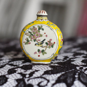 BEST OFFER SALE!!! Yellow & White Qing Cloisonne Snuff Bottle..