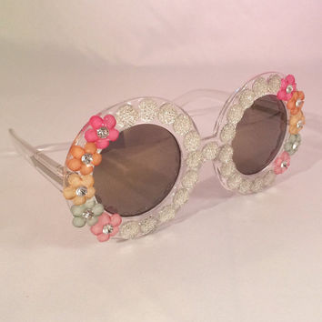 Clear Round Sunglasses Embellished w/Rhinestones and Pastel Flowers. Perfect festival sunnies!