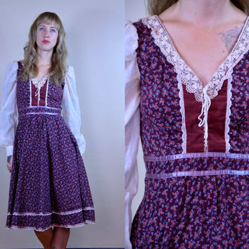 Vintage 1970's Cotton Micro Floral Corset & Lace Gunne Sax Prairie Dress
