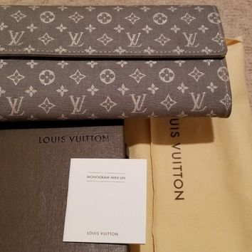 AUTHENTIC Louis Vuitton RARE GREY Monogram Mini Lin Wallet in GREAT CONDITION