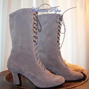 Victorian High Heels Boots in Light Grey warn looking leather Order your customized size
