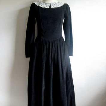 Laura Ashley 80s Vintage Dress Black Grunge Corduroy Lace Peter Pan Collar Dress 8 FREE SHIP Cda and Usa
