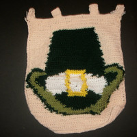 handmade crocheted St Patrick's day banner by CanadianCraftCritter