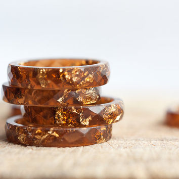 Terracotta Brown Resin Ring Stacking Ring Pink Gold Flakes Small Faceted Ring OOAK caramel geometric autumn fall rusteam