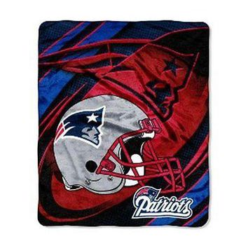New England Patriots 50x60 Micro Raschel Plush Throw BRAND NEW
