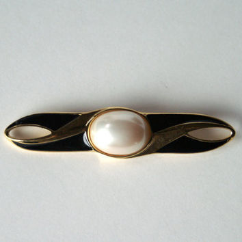 Vintage Trifari Bar Pin Brooch - Art Deco Style Faux Pearl