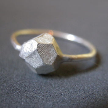 silver rock ring, faceted jewelry, geometric ring, novelty, silver stone, hand made jewelry, engagement ring, cocktail ring, wedding band