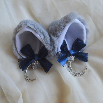 Kitten play clip on wolf cat ears with ribbon bows and pendant - neko lolita cosplay costume - kitten play gear accessories - grey and blue