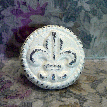 Fleur de lis Cast Iron Round Drawer Pull / Knob / Cabinet Knobs Shabby Chic Distressed Rustic French Decor Creamy Cream Off White