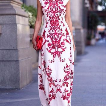 DCCKHQ6 White and Red Paisley Print Cap Sleeve Maxi Dress