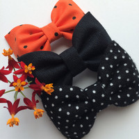 Halloween dot, black, and black and white flannel dot hair bow lot from Seaside Sparrow.  This Seaside Sparrow set makes a perfect gi