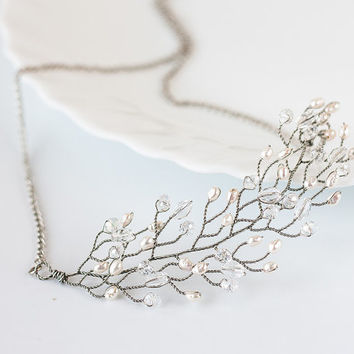 Bridal Necklace, Pearl Jewelry, Wedding Necklace, Silver Necklace, Bridal Jewelry, Statement Necklace, Vine Necklace, Vine accessories.