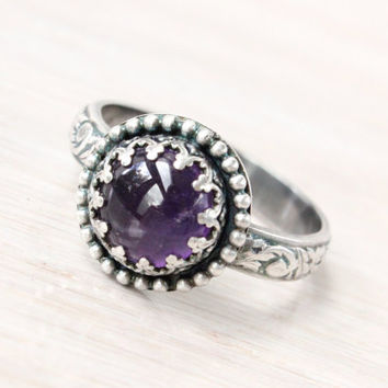 Purple amethyst ring, sterling silver, vintage style, gallery crown beaded setting, floral band, February birthstone, antique ring, princess