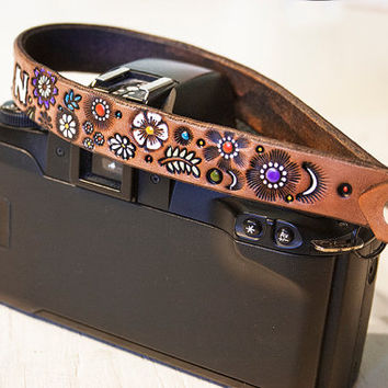 Custom Leather Camera Wrist Strap Or Key Ring - Floral pattern - Add your name or initials - Loop strap - Swivel clip - hand tooled leather