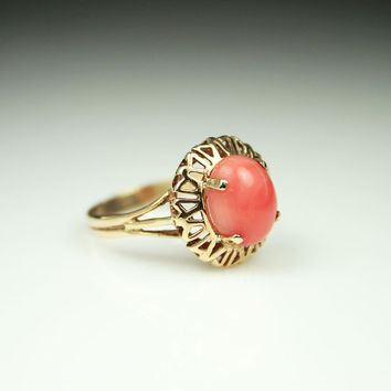 Vintage Ring 10K Gold Coral Ladies Cocktail Antique Jewelry