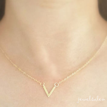 Gold Necklace Chevron V Shape Arrow Inverted Simple Everyday Dainty Modern Jewelry Friendship Gift Sister Mother Girlfriend Best Friend C1