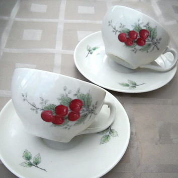 Set of 2 Syracuse Carefree Wayside Pattern Cup and Saucer - Vintage Wayside Pattern cups and saucers