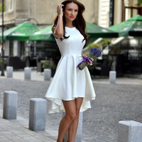 Sleeveless O-neck dress