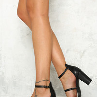 HELLO MOLLY Strawberry Swing Heel Black
