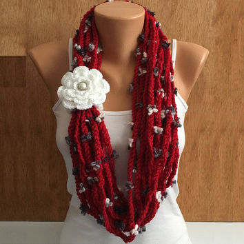 red crochet chain flower yarn Infinity scarf with crochet flower removable brooch pin