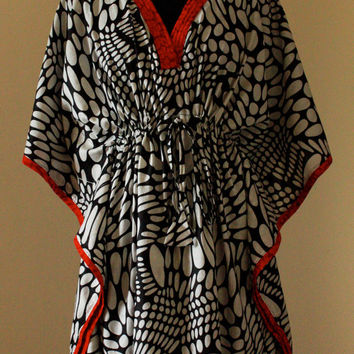 Hospital gown / Delivery gown / Kaftan for Nursing - Polka and red, short kaftan robe, caftan, maternity, nursing, hospital robe, spa robe