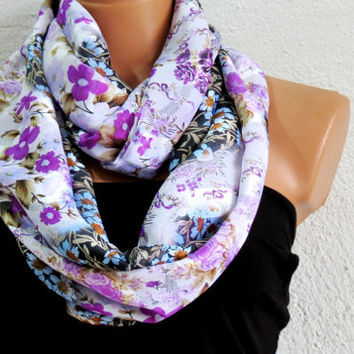 Infinity Scarf Floral Print in Lavender Lilac, Circle Loop Scarf Women's Fashion Accessories - Scarves in Lilac, Taupes - Scarfs for her