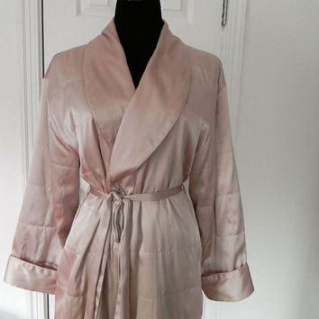 Quilted long peach Robe by vintageworldrocks on Etsy