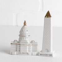 Vintage Washington Monument and Capitol Building Ceramic Salt and Pepper Shakers, Mid Century Modern Washington DC White and Gold Dipped
