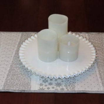 Quilted Table Runner, Pieced Wedges, White and Silver