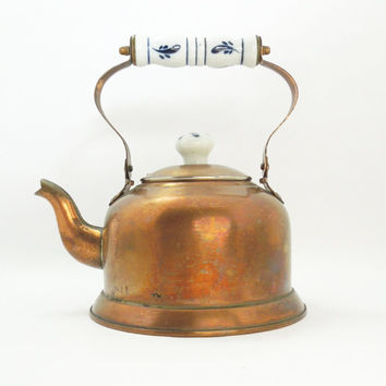 Vintage copper kettle with hinged ceramic handle - Rustic copper tea kettle - Vintage home decor - Cottage chic