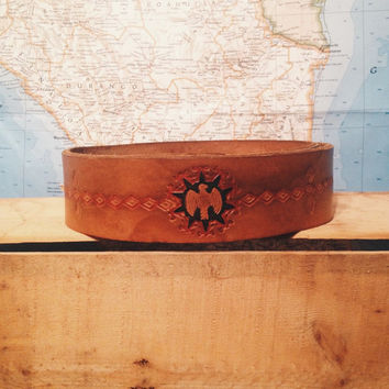 Vintage 1970's leather Thunderbird tooled belt || Ladies size 25-27