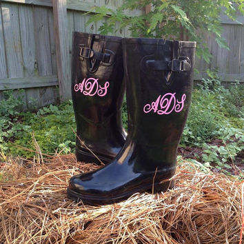 Monogrammed Personalizied  Rain Boots.....Personalized with Vinyl - Wellies