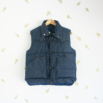 vintage men's denim quilted vest / metal snap buttons / puffy sleeveless jacket / fall + winter / medium